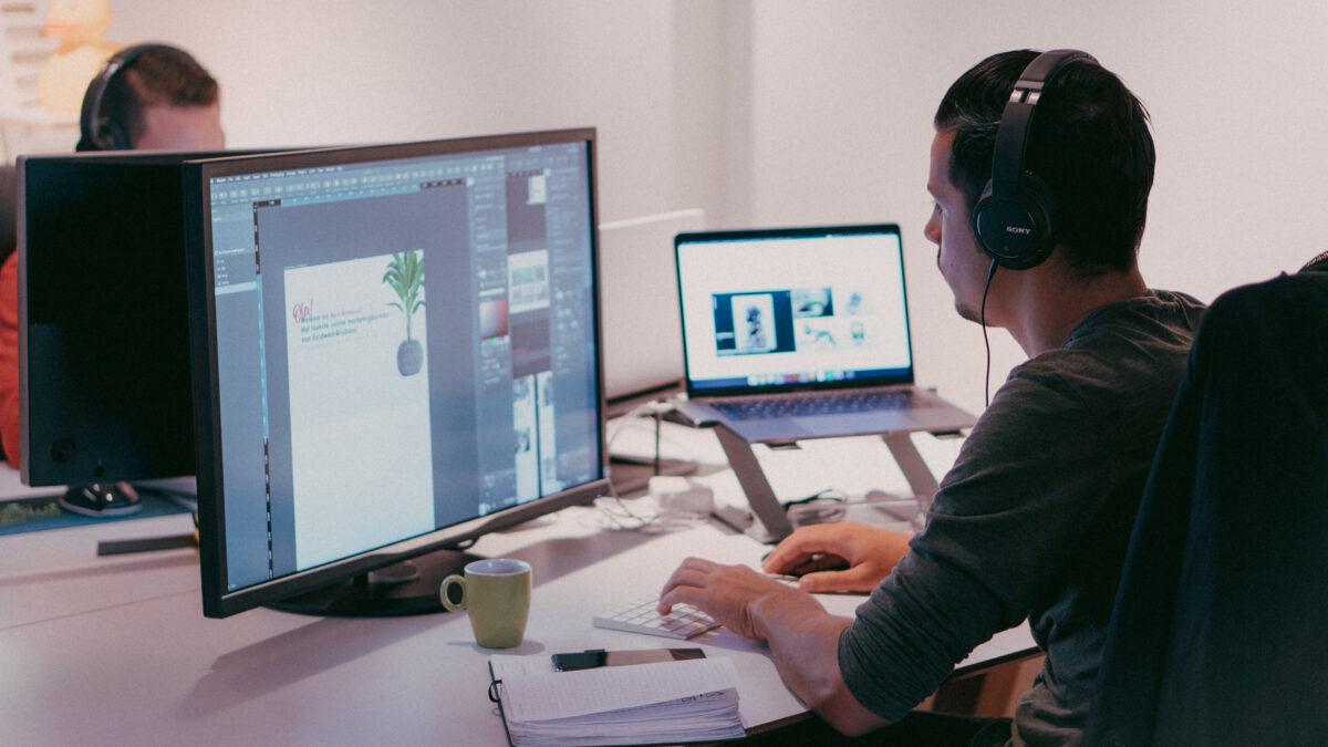 webdesign trends 2019 red banana